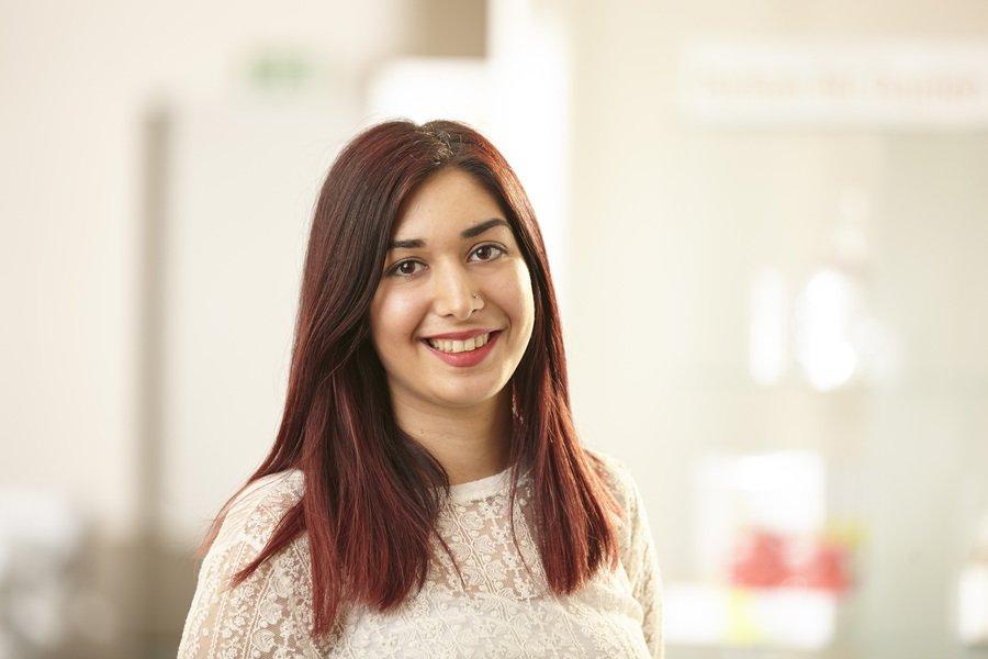 Azize Akar hat kürzlich den Gesellentitel in unserem Salon erworben. Ihre Ausbildung hatte 2013 begonnen und nun arbeitet sie in Festanstellung bei uns :-)