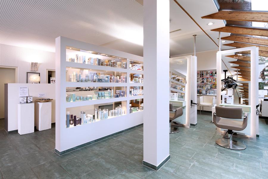 Tauchen Sie ein – in die helle, freundliche Atmosphäre unseres Salons in Nordwalde!
